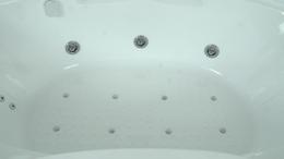 Гидромассажная система в ванне 6 джет